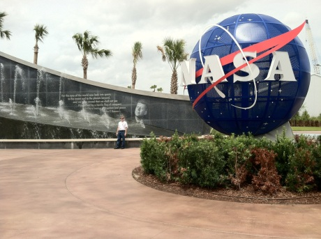 mike_entrance_KSC